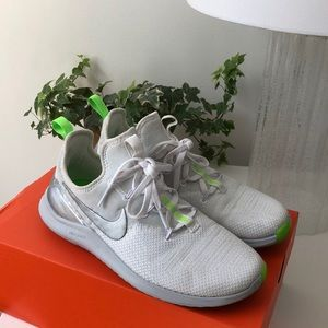 NIKE FREE TR 8 - White/Silver/Neon Green